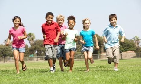 Actividad física en vacaciones: Recomendaciones para padres de familia