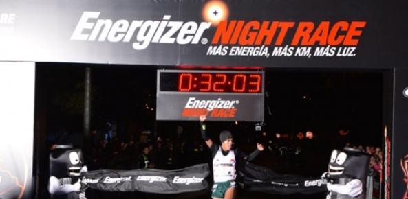 Gerard y Kelly brillaron en la Energizer Nigth Race 2014 (Col)