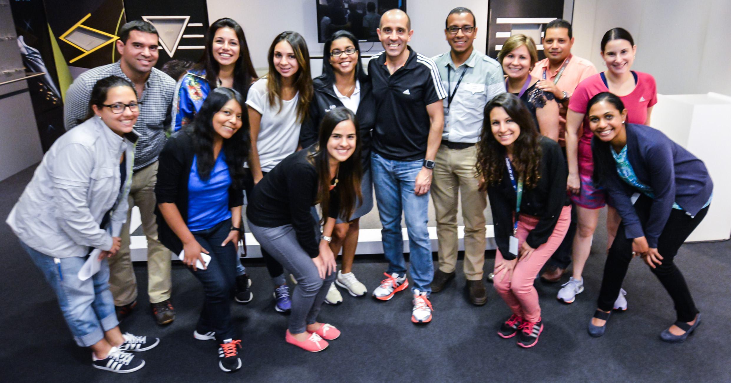 Team adidas recibe clínica para carreras