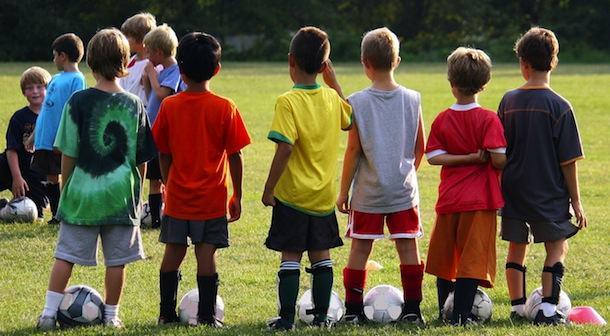 Cómo prevenir lesiones deportivas en los niños