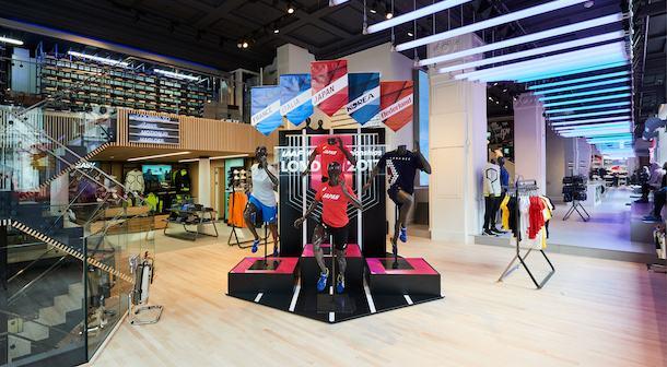ASICS abrió en Londres su mayor tienda a nivel mundial