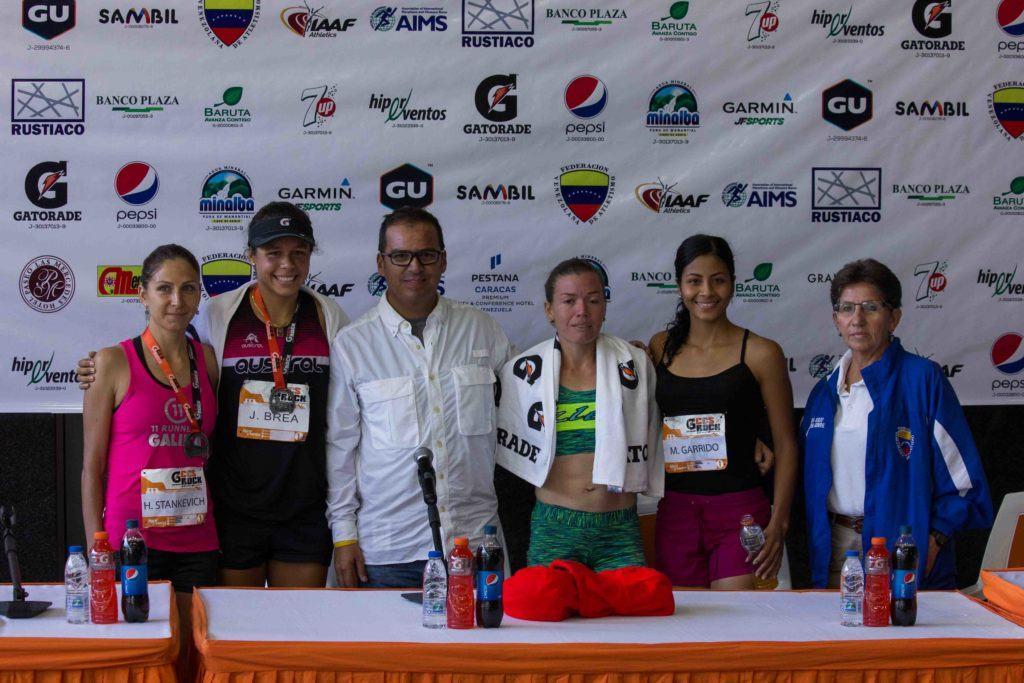 Podio femenino Caracas Rock 2017