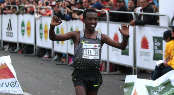 Betesfa Getahun ganó la Media maratón de Bogotá 2018