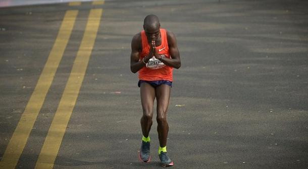 Kipkemboi de Kenia establece nuevo récord en Maratón de Buenos Aires 2018