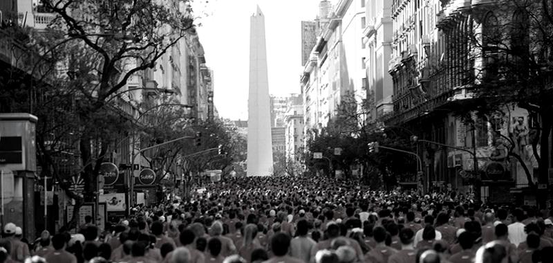 El Obelisco sobre la 9 de Julio