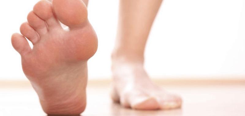 Las 3 principales razones del dolor en el talón al correr o caminar