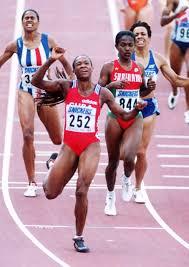 Ana Quirot en Gotemburgo corriendo los 800m en 1995