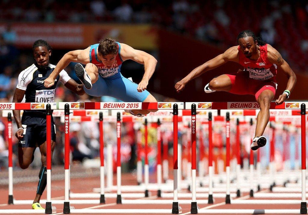 Aries Merritt participando en el Campeonato Mundial en Beijing antes de su trasplante renal