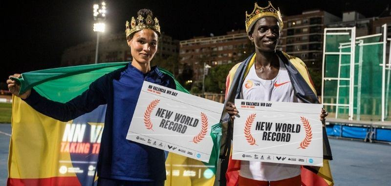 Dos nuevos récords del mundo: Cheptegei y Gidey hacen historia en Valencia (ESP)