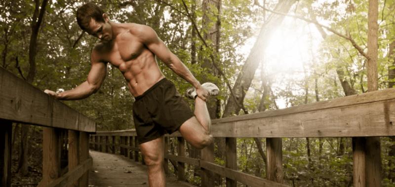 La edad puede reducir tu musculatura y así puedes evitarlo